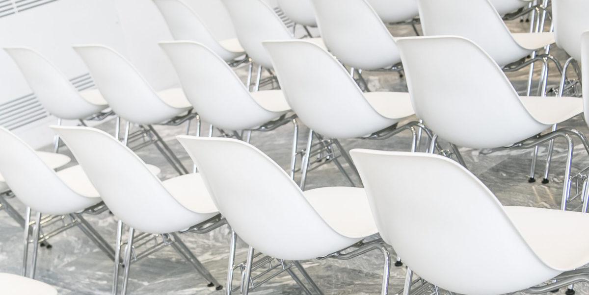 weiße Stühle BPS